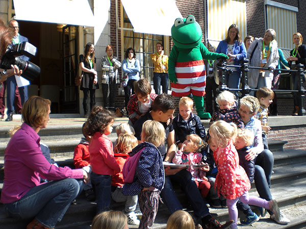 Wilfred Genee reikt Kikker Groenprijs 2015 uit